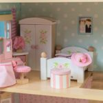 ME057 Daisylane Master Bedroom