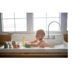 Tikiri-ZOO-prirodne-hracky-kupanie