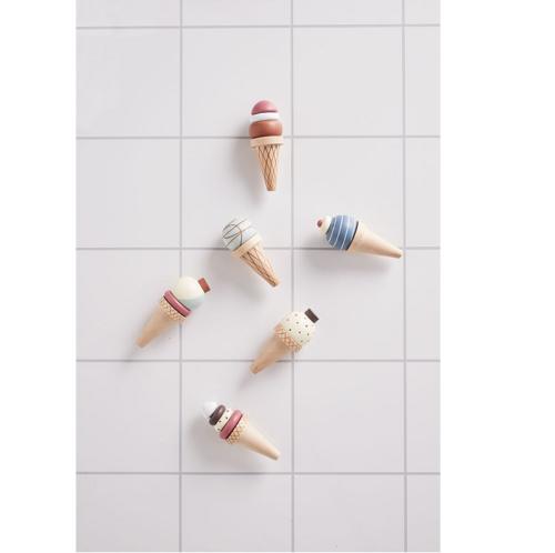 Drevený stojan so zmrzlinkami
