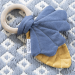 dreveny-kruzok-s-listkami-modra-3-minilove