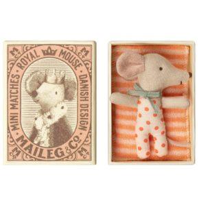 Myška bábätko v krabičke (dievča)
