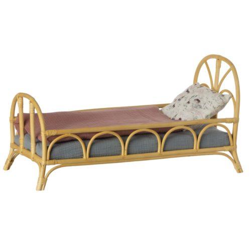 Ratanová posteľ medium