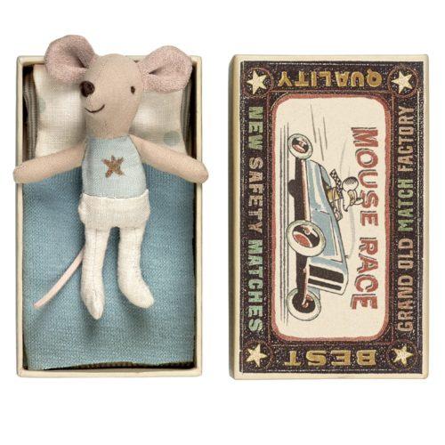 Malý braček Myšiak Star v krabičke