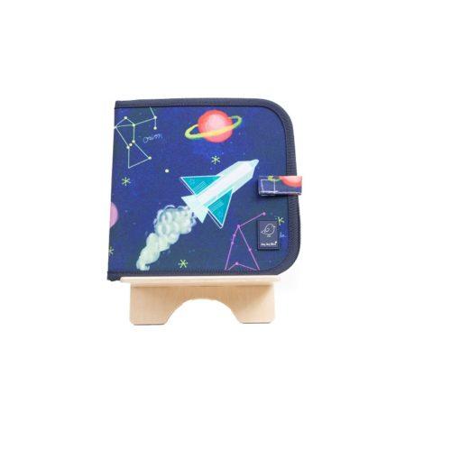 Knižka/maľovanka na kreslenie s kriedami Vesmír