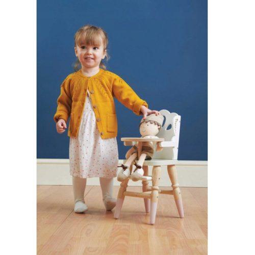 Drevená jedálenská stolička pre bábiky