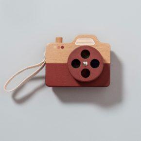 Drevený fotoaparát hnedá