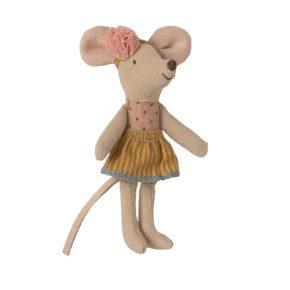 Malá sestra myška v krabičke